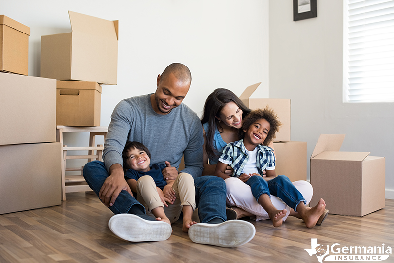 A family moving into their rental property after getting renters insurance.